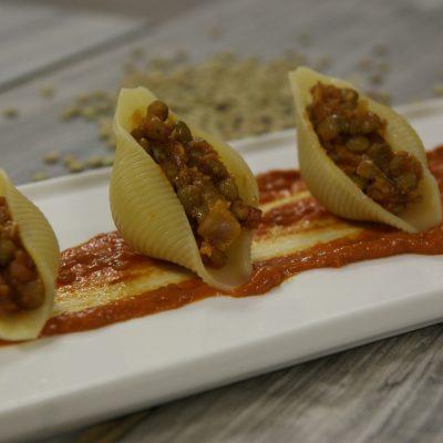 Conchiglioni di semola con ragù vegan di lenticchie_Claudio Di Dio_io scelgo veg