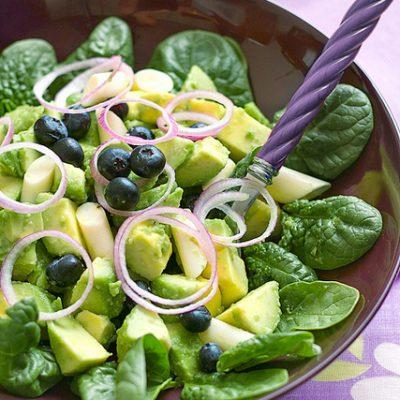 insalata avocado mirtilli spinacini_alice martini_io scelgo veg