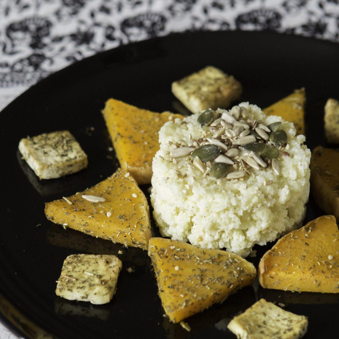 Miglio con zucca, tofu al forno e mix di semi