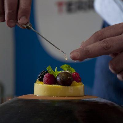 Biancomangiare vegan con frutti di bosco_Chef Simone Salvini