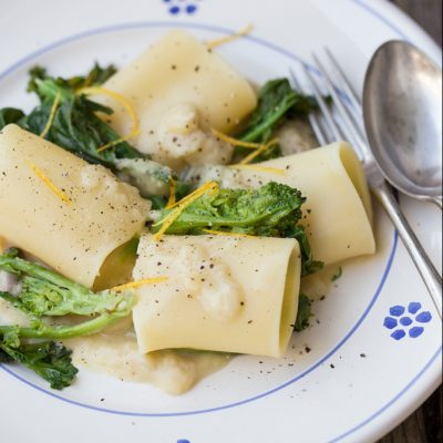 paccheri concime di rapa e purè di fave vegan_ Martino Beria