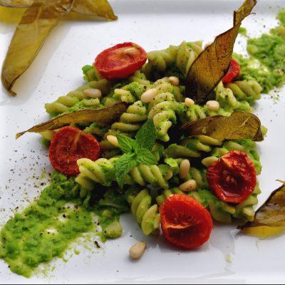 fusilli vegan ai piselli e pomodori confit_ Ventina Parole Vegetali