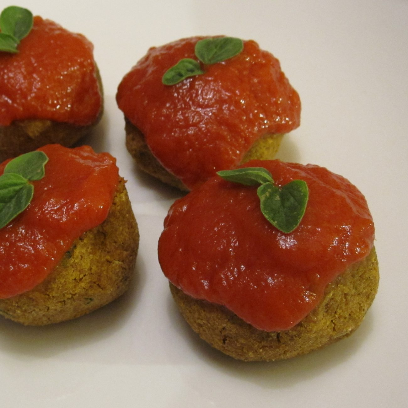 Polpette di lenticchie in salsa di pomodoro