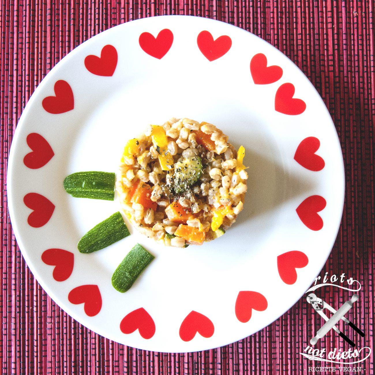Farro allegro con zucca, zucchine, peperoni e carote