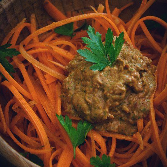 Insalata di carote in salsa speciale