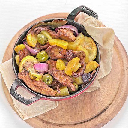Seitan e patate al forno con olive e limone