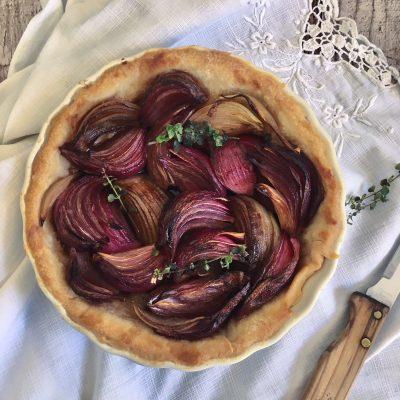 Torta salata alle cipolle vegan_Lucia Valentina Nonna