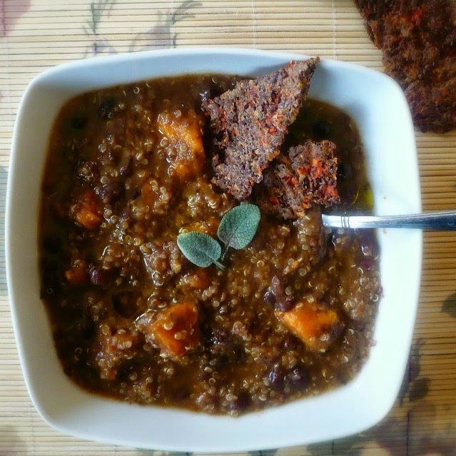 Zuppa di quinoa, fagioli azuki e batata