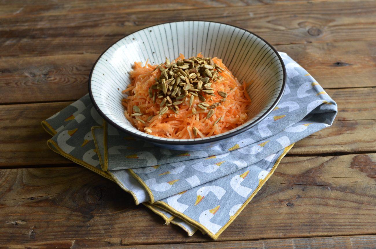 Insalata di mele e carote