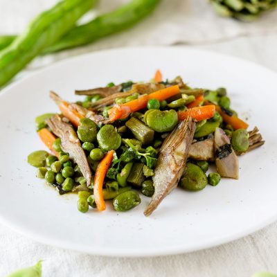 fave fresche con piselli e verdure