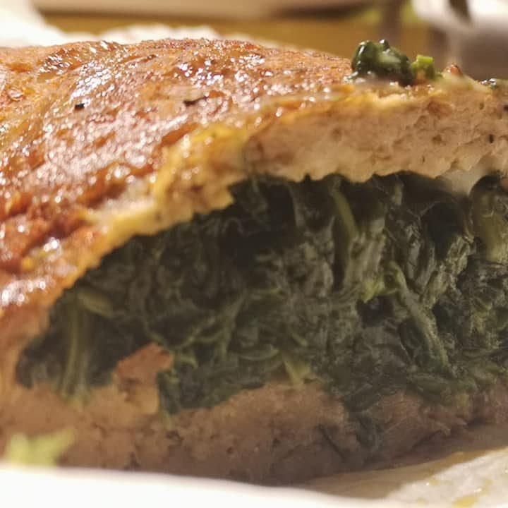 Arrosto di seitan con spinaci e formaggio veg