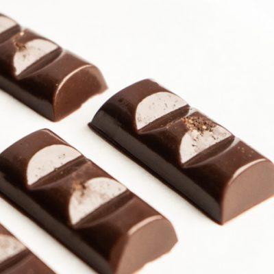 cioccolatini raw cremosi al caramello salato Marta Giaccone per Essere Animali Ioscelgoveg