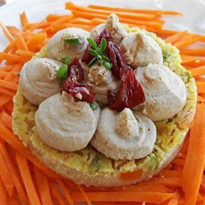 farinata alle verdure con mousse di lupini Serena Scuteri per Essere Animali_ioscelgoveg
