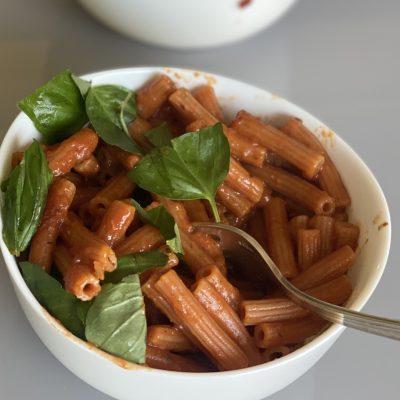 pasta di lenticchie rosse alla vodka vegan