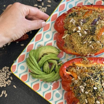 peperoni rossi ripieni di quinoa e verdure