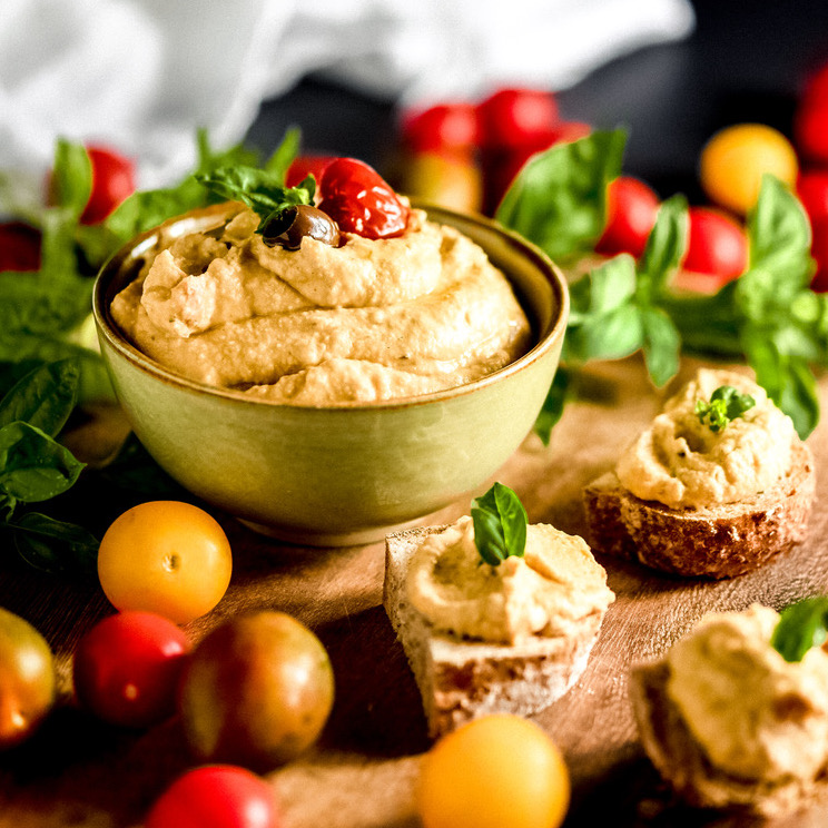 Hummus alla mediterranea