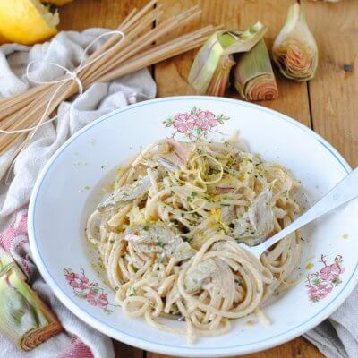 spaghetti vegan con carciofi e limone
