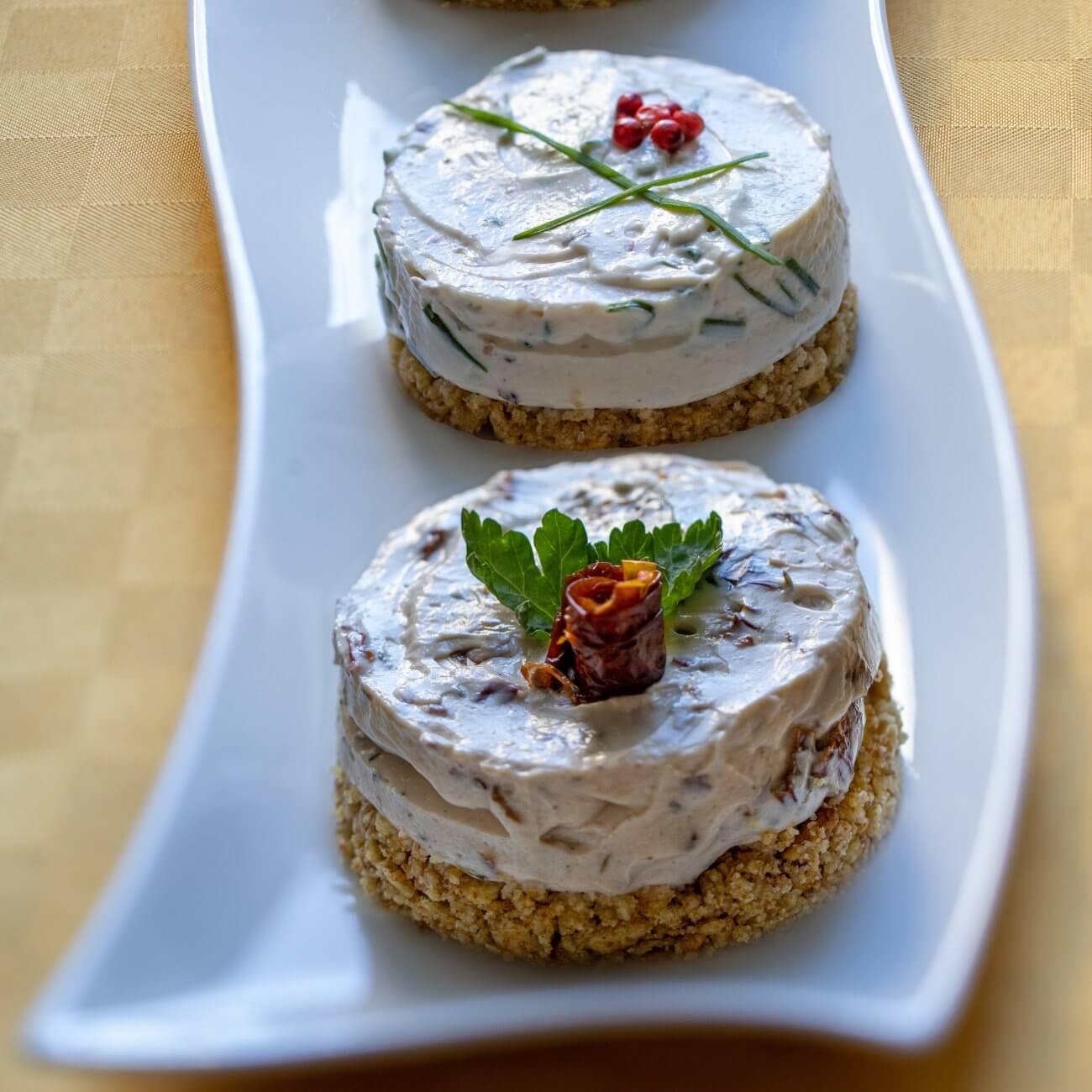 Mini cheesecake salate vegan