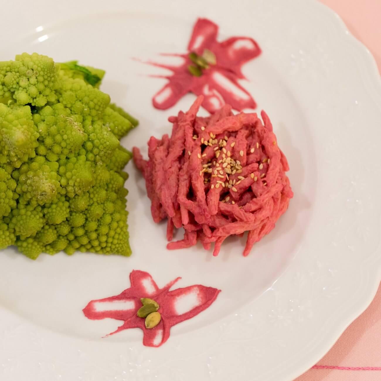 Trofie al pesto di broccolo romanesco e barbabietola